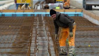 Er hat Arbeit, im Dezember waren dagegen  10'682 Personen arbeitslos.