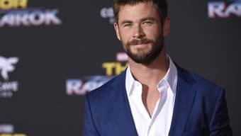 Eine neue Friseur und eine neue Waffe sollen es richten: Chris Hemsworth fand seine Filmfigur Thor bis anhin ziemlich öde. (Archivbild)