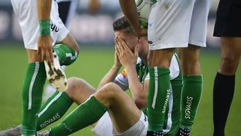 Nach bösem Foul schwer verletzt: St. Gallens Stürmer Cédric Itten