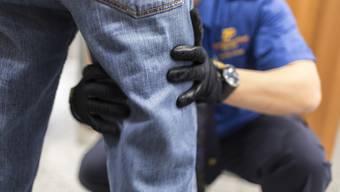 """Bei einer Routinekontrolle kam der Verdacht auf, dass es sich beim 35-jährigen Belgier um einen sogenannten """"Bodypacker"""" handle. (Themenbild)"""