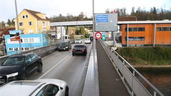 Reger Verkehr: Der Zoll in Koblenz ist Dreh- und Angelpunkt für den Verkehr zwischen dem Kanton Aargau und Deutschland.