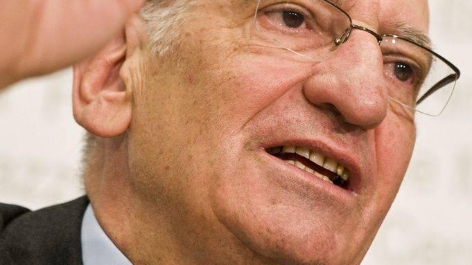 Rücktritts-Spekulationen: Bundesrat Pascal Couchepin hält sich bedeckt.