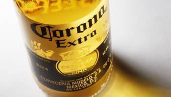 AB Inbev wuchs in der Vergangenheit schon mehrfach durch Übernahmen. 2012 kaufte der Konzern die mexikanische Grossbrauerei Grupo Modelo, welche auch das in der Schweiz bekannte Corona braut.
