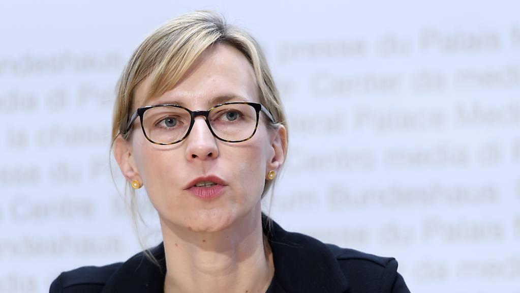 Die Genfer Virologin Isabella Eckerle sieht Versäumnisse der Behörden bei der Bekämpfung der Corona-Pandemie an den Schulen. (Archivbild)