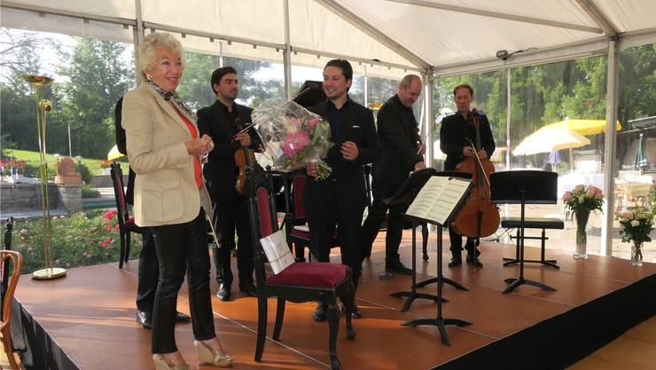 Grosserfolg im vergangenen Jahr: Ljuba Manz bedankt sich am letzten Konzerttag bei Publikum und Musikern.