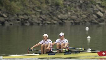 Roman Röösli (links) und Barnabé Delarze haben in Linz-Ottensheim das erste Ziel erreicht