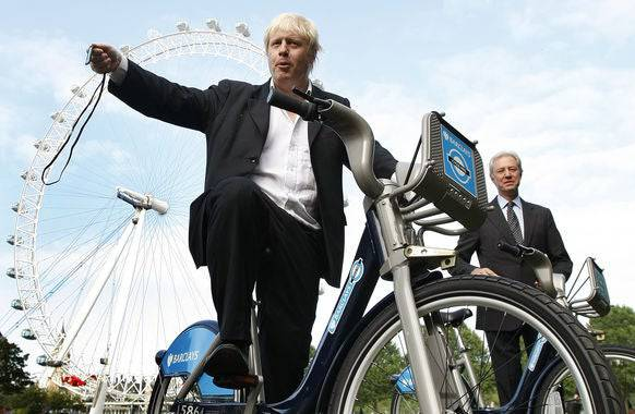 Boris Johnson als velofahrender Bürgermeister.