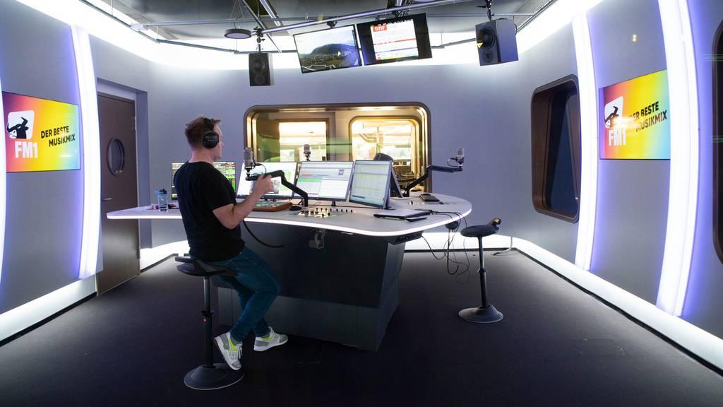 Bald fast durchgehend Nachrichten bei Radio FM1