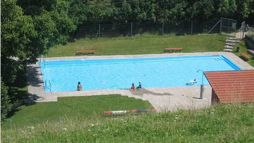 Die Badi von Fisibach wird saniert.