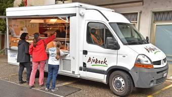 Am Dienstag stand der Verkaufswagen der Vebo Bio-Bäckerei aus Oensingen zum ersten Mal vor dem ehemaligen Maxi-Laden an der Vorderen Gasse.