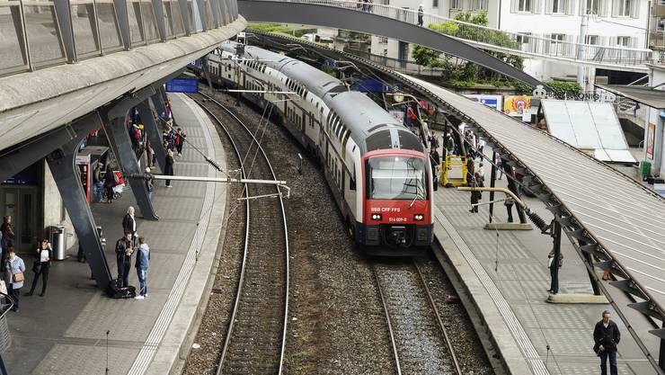 Bahnhof Stadelhofen.