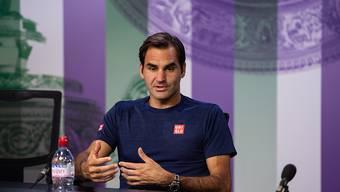 Das Schlimmste für einen Tennisspieler: Roger Federer beim Erklären seiner Niederlage vor den Medien