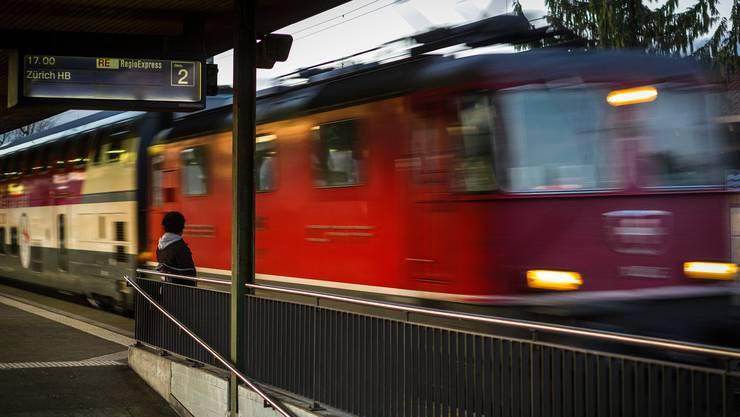 In Seebach wird gestartet: Die SBB will bis 2025 ausschliesslich Bahnstrom aus erneuerbaren Quellen zu beziehen.