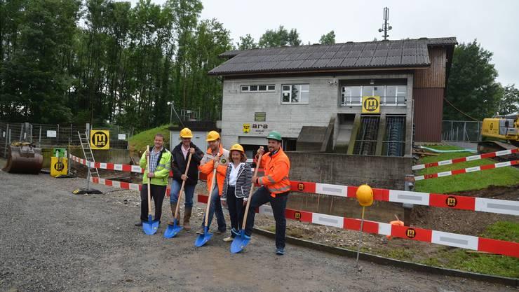 Los gehts: Bei der ARA Mühlau gibt es ein neues Pumpwerk, welches das Abwasser nach Sins fördert.