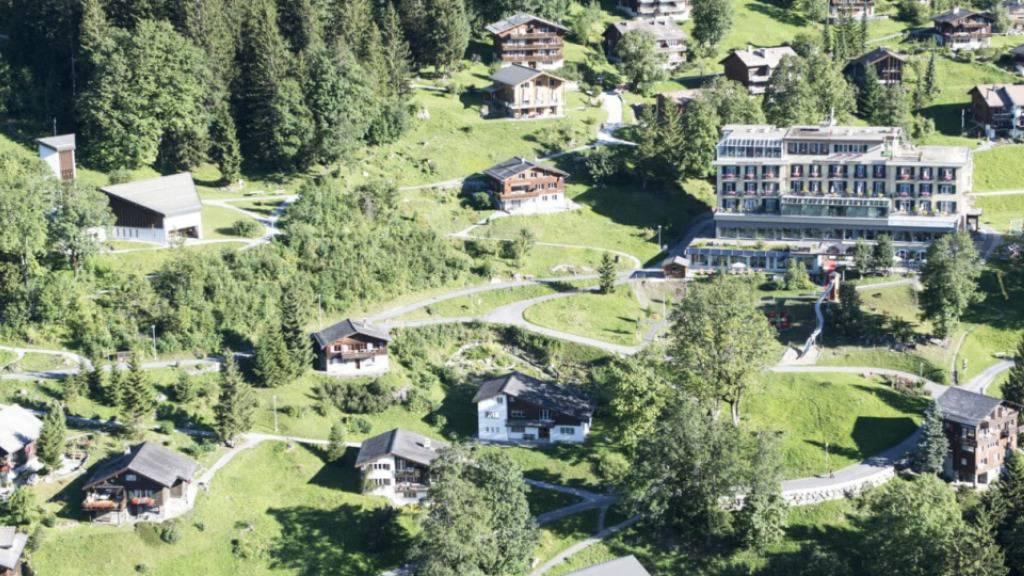 Der Glarner Kurort Braunwald ist autofrei und wird mit einer Standseilbahn erschlossen. Die künftige Erschliessung bewegt die Gemüter: beim öffentlichen Mitwirkungsverfahren gab es über 600 Eingaben.