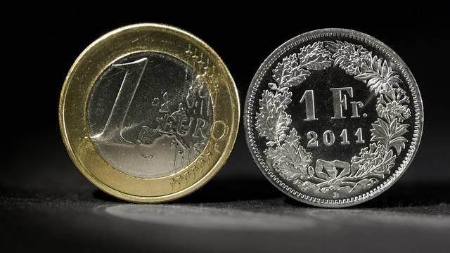 Der Euro-Kurs steigt erneut stark (Symbolbild)