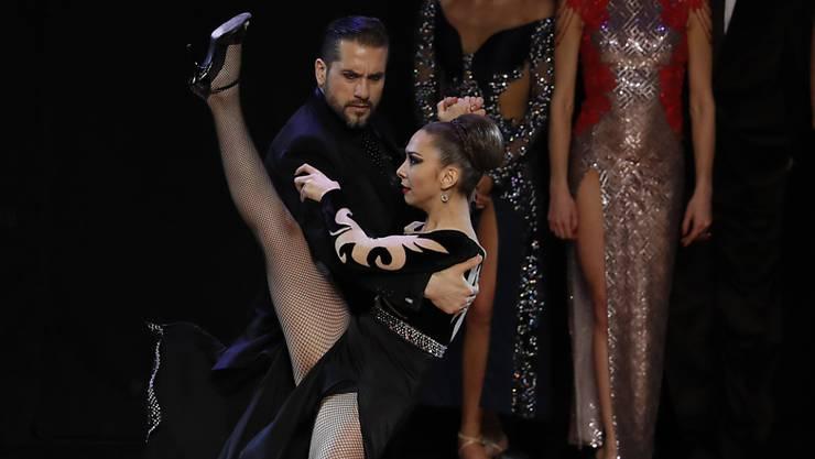 """Man muss viel Mut haben"": das argentinische Tango-Weltmeisterpaar Fernando Andrés Rodríguez und Estefanía Belén Gómez."