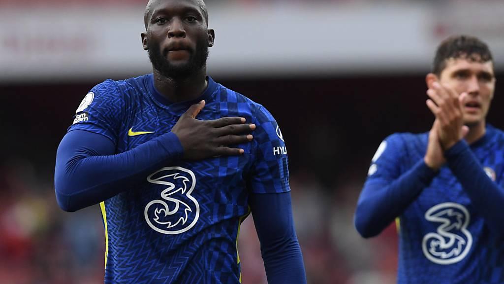 Romelu Lukaku feiert einen gelungenen Einstand mit Chelsea
