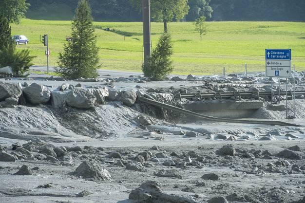 Nach dem Niedergang eines Felssturzes in der Nähe des Bergeller Bergdorfs Bondo wurde die komplette Gemeinde evakuiert.