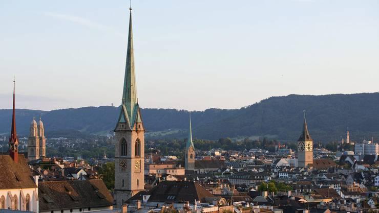 Kirchen in der Stadt Zürich: Die Stadtzürcher fliehen von der Kirche.