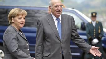 Merkel im Jahr 2008 in Bern. Bundespräsident Pascal Couchepin begrüsste den hohen Besuch aus Deutschland.