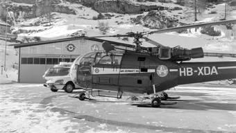 Seit 50 Jahren fliegt die Air Zermatt Rettungseinsätze, das Bild aus dem Archiv zeigt die Helikopter-Basis Zermatt im Januar 1971.