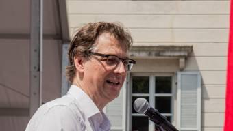 """Muss seinen Schreibtisch im """"Municipio"""" nicht räumen. Mario Branda (SP) bleibt auch in der neuen Grossgemeinde Bellinzona Stadtpräsident."""