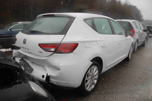 Auf der Autobahn A1 ereigneten sich beinahe zeitgleich zwei Auffahrkollisionen mit insgesamt neun beteiligten Autos. Ernsthaft verletzt wurde dabei niemand.
