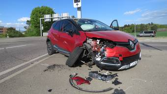An den Fahrzeugen entstand ein Sachschaden von zirka 30'000 Franken.