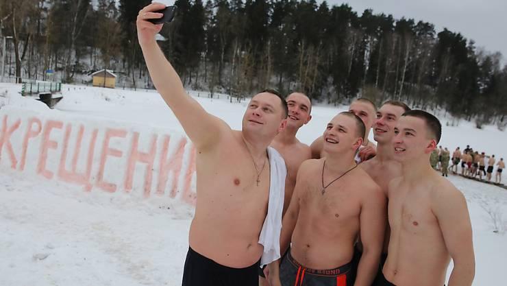 Nichts für Warmduscher: Selfie nach dem Eisbad in einem Fluss in der Nähe von Minsk in Weissrussland.