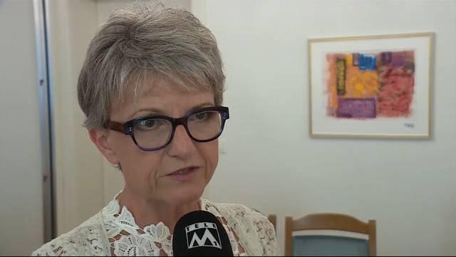 Die 55-jährige Hendschikerin ist seit 2012 Mitglied der kantonalen Parteileitung und Präsidentin der Bezirkspartei Lenzburg. Im Oktober 2012 wurde sie in den Grossen Rat gewählt, seit 2013 ist sie Präsidentin der Fraktion. Als Schulpflegepräsidentin liegen ihre politischen Schwerpunkte in der Bildung aber auch bei Wirtschaft und Finanzen.