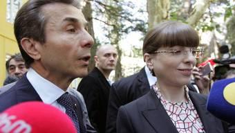 Oppositionsführer Bidsina Iwanischwili erklärt sich zum Sieger der Wahl in Georgien