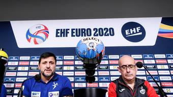 Ljubomir Vranjes (links) fordert mit Slowenien die Spanier von Nationaltrainer Jordi Ribeira heraus