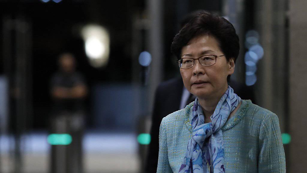 Steht seit Wochen wegen eines geplanten Auslieferungsgesetzes mit China in der Kritik: Hongkongs Regierungschefin Carrie Lam.
