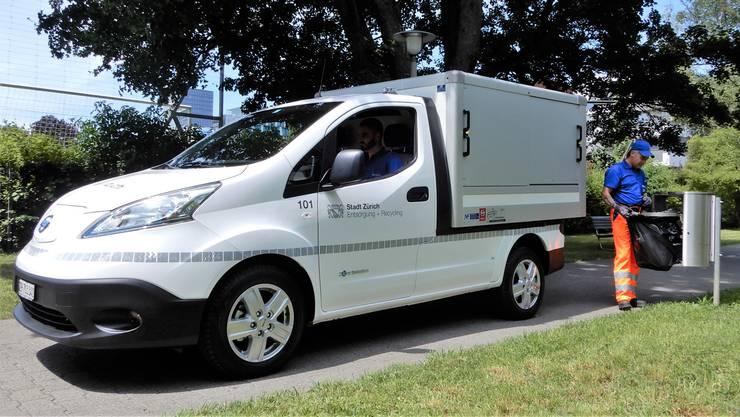 E-Lieferwagen vom Typ Nissan e-NV 200.