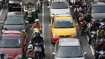 In Thailand darf in Autos nicht mehr getrunken werden (Archiv)