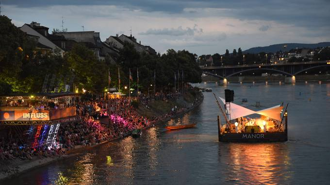 Das Nachtleben und Festivals wie «Im Fluss» tragen massgeblich zur Wertschöpfung in Basel bei.