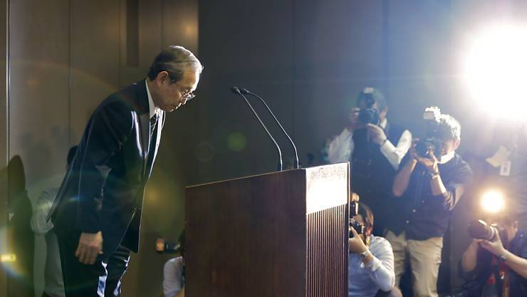 Toshiba-Chef Satoshi Tsunakawa tritt in die zweite Reihe zurück. Er soll im Unternehmen bleiben und künftig für das Tagesgeschäft verantwortlich sein. (Archivbild)
