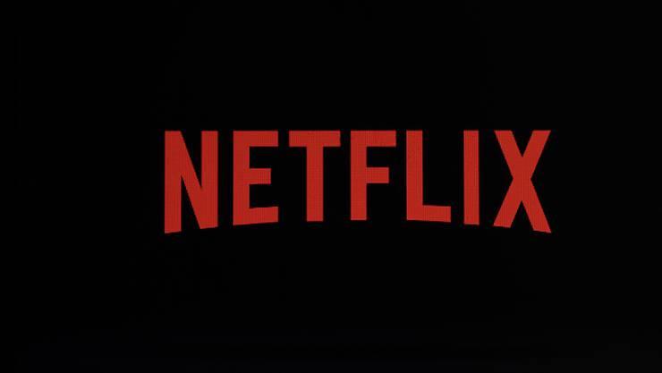 Der Netflix-Konzern hat Anleger mit einem geringeren Wachstum bei der Zahl der Neukunden geschockt. (Archivbild)