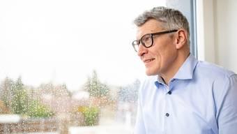 Markus Schüpbach, Direktor der Solothurner Gebäudeversicherung, beim Interview in seinem Büro.