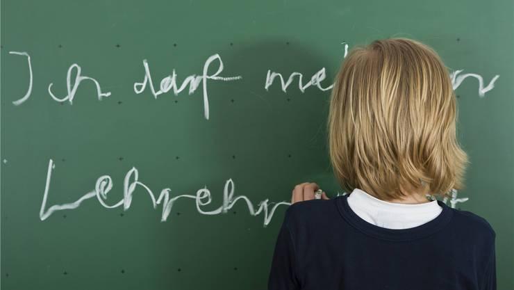 Strafarbeiten, wie sie früher praktiziert wurden, sind an der Schule heute nicht mehr üblich.