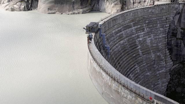 Die Staumauer des Grimsel-Stausees