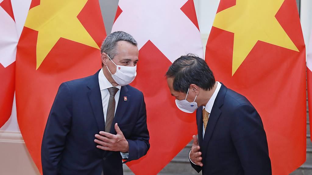 Cassis macht sich in Vietnam für Freihandelsabkommen stark