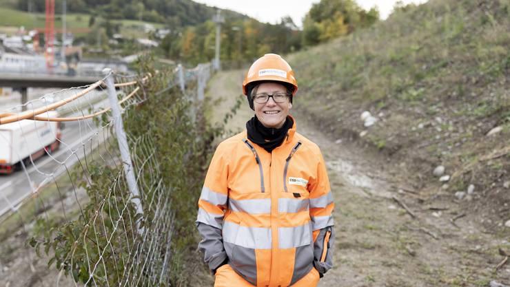 Umweltwissenschaftlerin Martina Schmucki berät das Astra vor und während der einzelnen Bauschritte beim Gubrist-Ausbau.