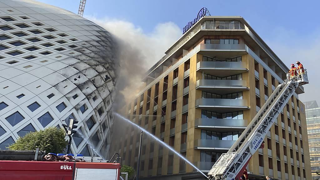 Feuer beschädigt Zaha-Hadid-Gebäude in Beirut