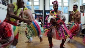 Musikalische und tänzerische Darbietung des Royal Corps of Musicians aus Tonga an der Pressekonferenz des Basel Tattoo