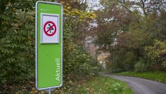 Beim Bollwerk sticht ein neues Verbotsschild ins Auge – ein zweites steht bei der Elisabethen-Anlage.