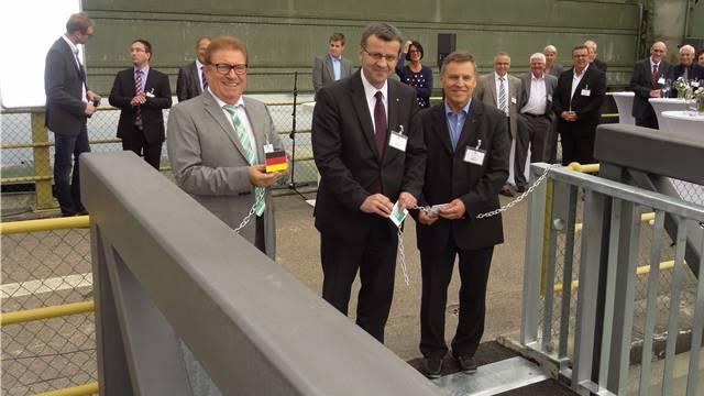 Der Möhliner Gemeindeammann Fredy Böni (rechts), neben ihm der Rheinfelder Stadtammann Franco Mazzi und Bürgermeister Arthur Brugger aus Schwörstadt.