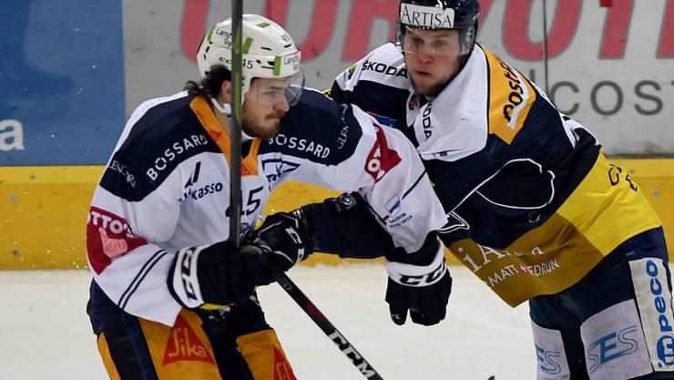Ambris Jannik Fischer (rechts) und Zugs Dennis Everberg schenkten sich gar nichts