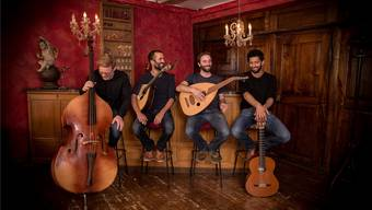 Arbazar besteht aus (von links): Pascal Ammann, Miguel Ferreira, Petrin Töndury, Pascal Piller. Auf dem Bild fehlt Eduardo Bichili.